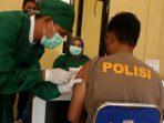 Ratusan Polisi di Lombok Utara Divaksin